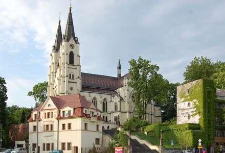 Farní kostel Narození Panny Marie vOrlové