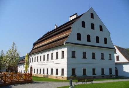 Ruční papírna a muzeum