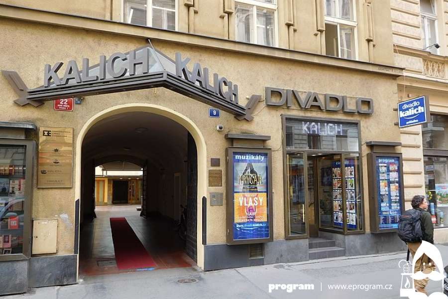 #KulturaOnline   Divadlo Kalich: Jan Kraus čte povídku Jaroslava Haška Zrádce národa v Chotěboři