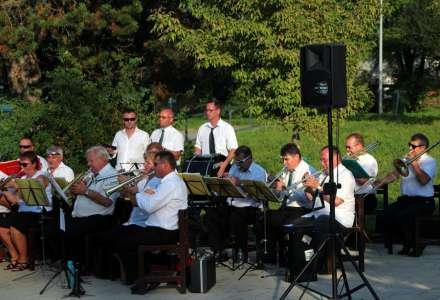 Promenádní koncerty v parku