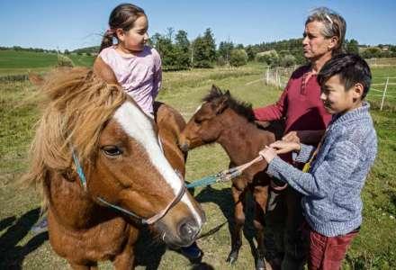 Lidé z daleka - Vietnamci a Mongolové v českých zemích