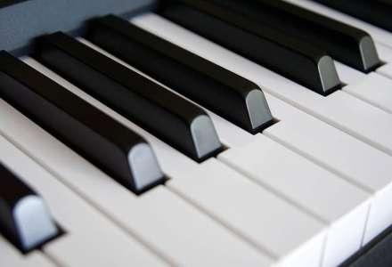 88 TWICE - dva klavíry