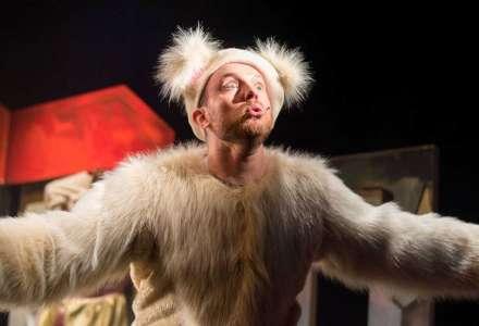 #Kultura on-line: Divadlo Scéna - Dášenka čili život štěněte