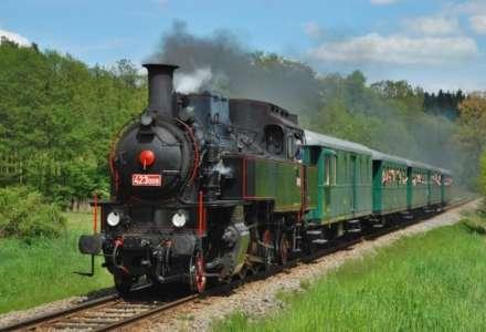 Projížďka parním vlakem pod vrcholky Beskyd