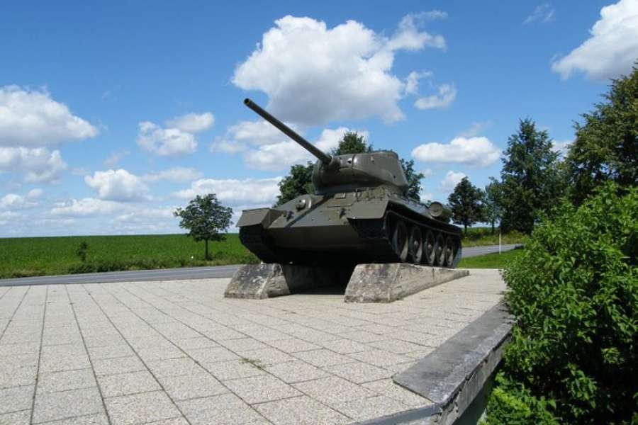 Oslavy 74. výročí osvobození  - u Tanku