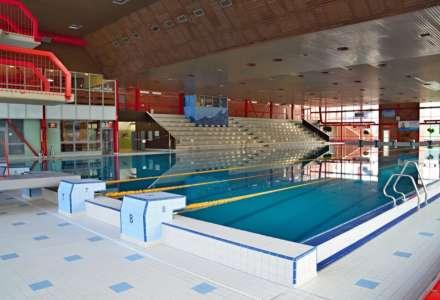 Bazénové haly SAREZA uzavřeny