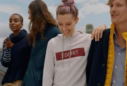 Nadčasová značka Esprit nově v Outlet Arena Moravia