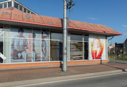 Exteriérová výstava Písek ve stroji - Piekło kobiet v PLATO Ostrava