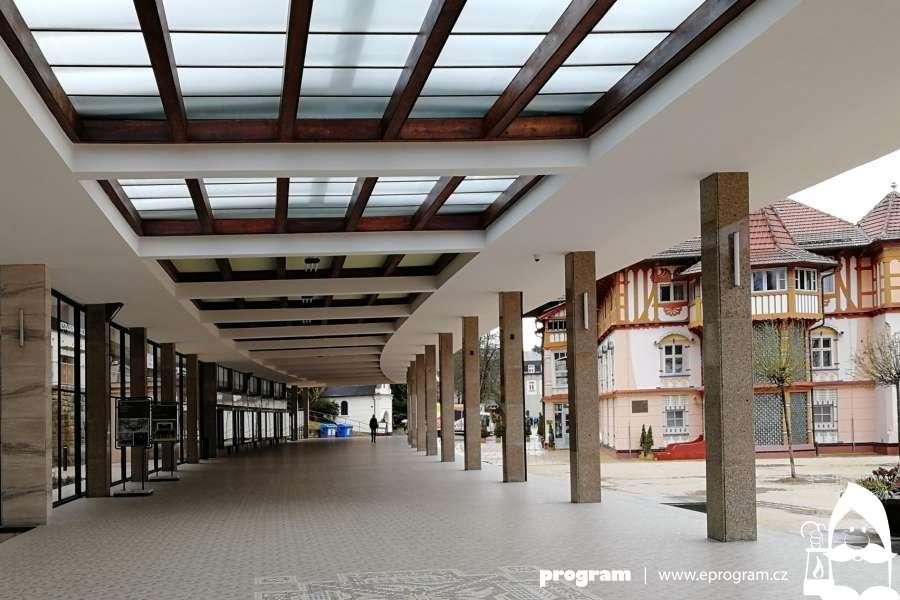 Do Luhačovic za Vincentkou i kvalitní architekturou