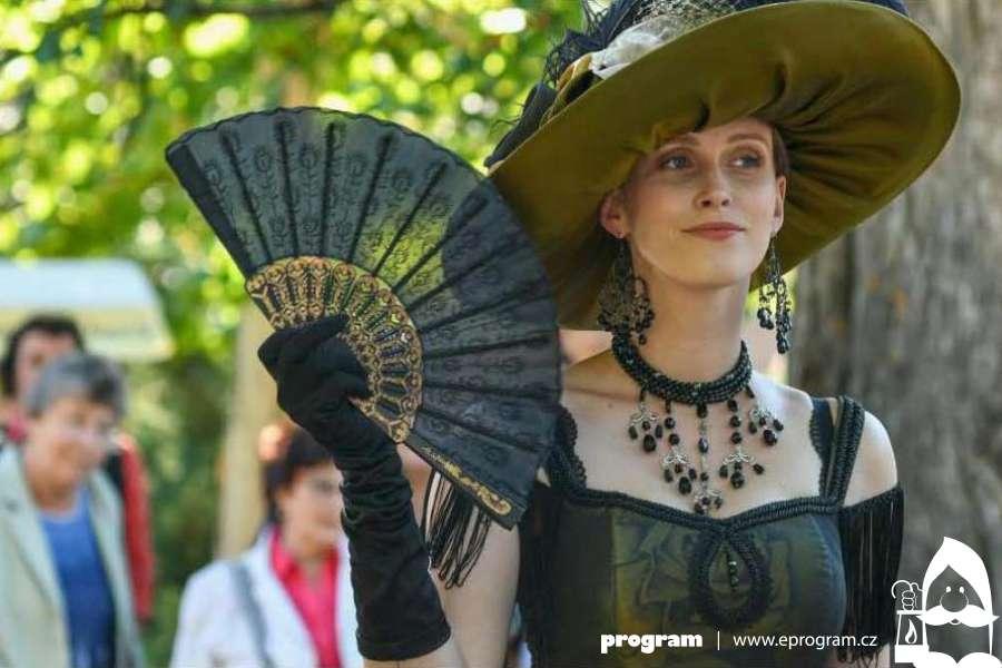 Kultura F≈M připravila pro širokou veřejnost zábavný kvíz - Questing - spojený s procházkou po Frýdku-Místku a přilehlém okolí