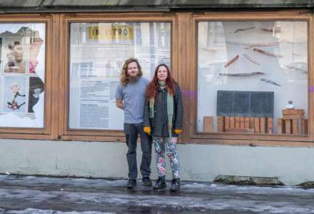 Komín přístavby Ostravice-Textilie nově zdobí originální umělecký objekt