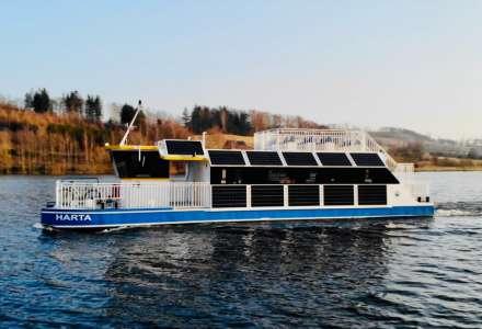 Lodní doprava na Slezské Hartě zahajuje provoz. O víkendu vyjede elektroloď Harta i loď Santa Maria