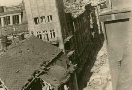Pozůstatky války... Savoy a těžce bombardovaný dům, zde byly Selské mlýny
