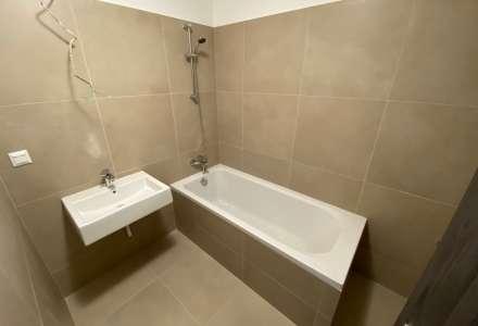 Koupelny ve vysokém standardu. Některé byty mají vanu, jiné i sprchový kout.
