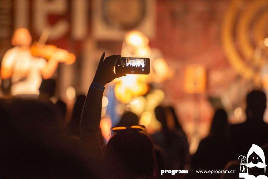 Hudební i řemeslný festival u valašského Balatonu