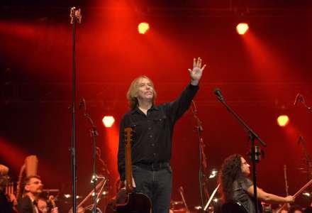 Jaromír Nohavica se společně sJanáčkovou filharmonií po šesti letech vrací do Gongu