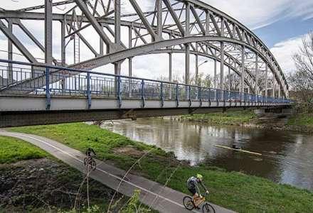 Opravovaný most přes Odru v Petřkovicích bude od večera do rána průjezdný