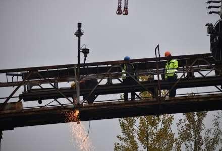 Podnik Diamo na Frýdecko-Místecku zboural most nad železnicí a cyklostezkou