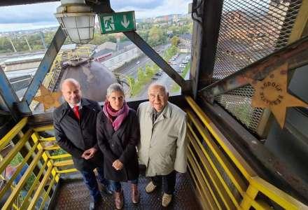 Na schodišti slávy v Ostravě mají nově své hvězdy Bernatík a Roszkopfová
