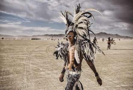 Atmosféru věhlasného festivalu Burning Man přibližuje výstava fotografií v OC Forum Nová Karolina