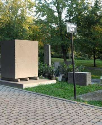 Soutěžní návrhy na hrob sochaře Augustina Handzela