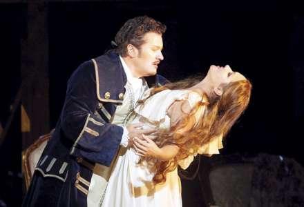 Opera Franceska Cilei Adriana Lecouvreur