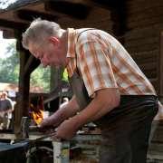 Dny řemesel a setkání kovářů v rožnovském skanzenu